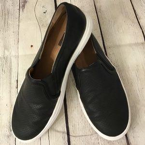 Halogen Turner Womens 8 Black Slip On Leather Shoe